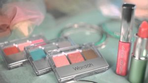 Kelebihan Item Make Up Wardah Lip Palette